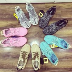 Mua giày xinh online ở đâu - Adidas bảy sắc cầu vồng