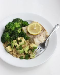 This is such a healthy dinner option! Fish with Quinoa salad- it is high in protein and low in calories!