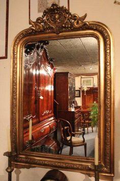 oude_spiegel_houten_vergulde_lijst_met_kuifdecoratie.jpg (400×600)