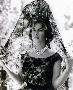 The 18th Duchess of Alba, Cayetana Fitz-James Stuart. I love her elegance.