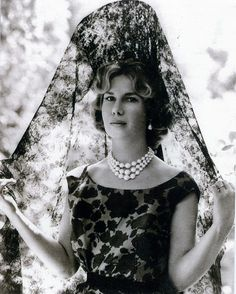 """""""The 18th Duchess of Alba, Cayetana Fitz-James Stuart. I love her elegance.""""  Yes, in this picture, later?..."""