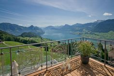 Corner Suite Lake View