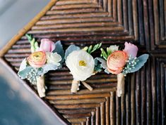 Real Wedding Colorado | Wedding Flowers by Love This Day events | Wedding corsages and Boutineers | anna bé bridal boutique | Photography by Laura Murray