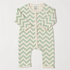 The #ecofriendly #baby brands we are #obsessed with. #softbaby #beechnut #earthmamaangelbaby #babyfood #babyclothes #chevron #adorable #healthy #environment
