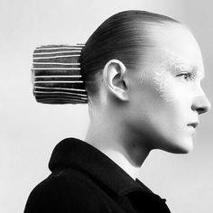 #getagripinfactgetlotsofgripsandthrowinawig #maisonmargiela #johngalliano # lexiroche @patmcgrathreal #hairdo #mmhautecouturess2016 #wella