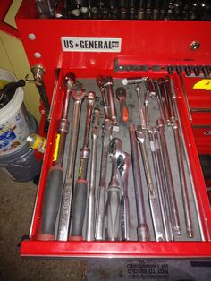 Garage Tools, Garage Workshop, Car Garage, Tool Organization, Tool Storage, Tool Cart, Future Shop, Toolbox, Hand Tools