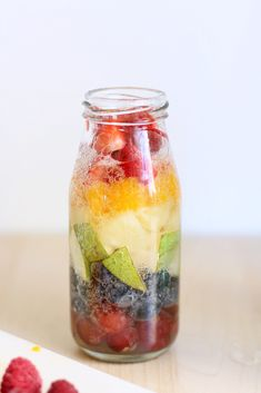Patrick's Day Treat: Rainbow fruit drink -- so fun and festive for St. Can use white grape juice or soda and we are definitely trying the sherbet version suggested at the end of the post as an extra special treat. Rainbow Drinks, Rainbow Fruit, Fruit Drinks, Smoothie Drinks, Beverages, Detox Drinks, Smoothies, Healthy Snacks, Healthy Recipes