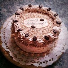 Ezt a különleges, kávés- mascarpones krémmel töltött tortát a kávékedvelőknek szinte kötelező kipróbálni! Tiramisu, Ethnic Recipes, Food, Cakes, Candy, Mascarpone, Recipes, Cake Makers, Essen