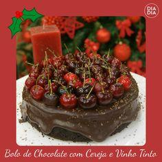 Bolo de Chocolate com Cerejas e Vinho Tinto