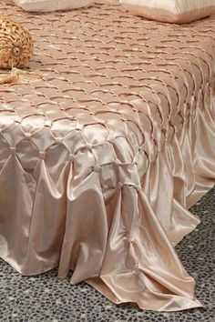 Sleeve Pattern Alteration That Will Ruffle Bedspread, Silk Bedding, Smocking Tutorial, Smocking Patterns, Free Motion Quilting, Silk Bed Sheets, Bed Cover Design, Canadian Smocking, Curtain Patterns