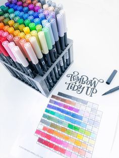 Organize your Tombow Dual Brush Pen 96 Color Set with this free printable template from Amanda Arneill of Tombow Dual Brush Pen, Best Brush Pens, Brush Pen Art, Best Pens, Stylo Art, Tombow Markers, Cool School Supplies, Pen Collection, Calligraphy Pens