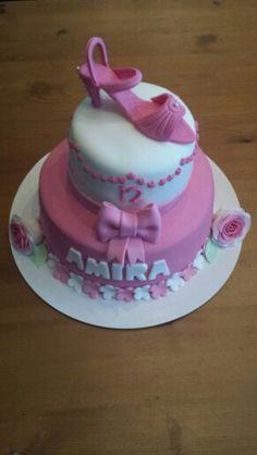 Young fashionista birthday cake