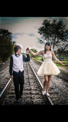 Cute #pose for #prom or #homecoming!