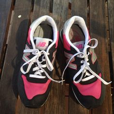 New Balance Women's Sneakers Like New Condition These New Balance Lifestyle sneakers are very comfortable. . Only been worn a couple of times no-show of wear on the sole. New Balance Shoes Sneakers