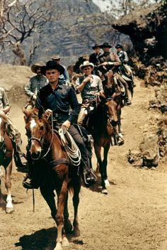 The Magnificent Seven / Yul Brynner Steve McQueen .For more country inspirations visit www. The Animals, Yul Brynner, Tv Westerns, Steve Mcqueen, Hollywood Stars, Classic Hollywood, Hollywood Photo, Films Western, Actor