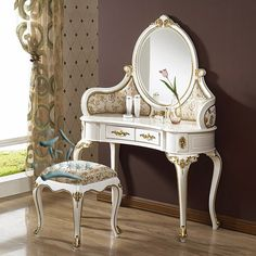 Want one for my girls room! Vintage Bedroom Furniture, French Furniture, Classic Furniture, Home Decor Furniture, Home Decor Bedroom, Luxury Furniture, Garden Furniture, Wood Furniture, Antique Decor
