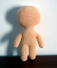 - cloth doll inspired crochet - free pattern for basic doll, flat doll, crocheted in one piece