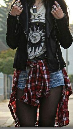Tessa Diamondly - Chaqueta de cuero Zara, camiseta Urban Outfitters - Lo que no . 90s Fashion Grunge, Dark Fashion, Fashion Wear, Trendy Fashion, Boho Fashion, Fashion Outfits, Fashion Trends, 90s Grunge, Jackets Fashion
