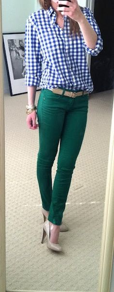 Green jeans, blue and white stripe fitted blouse instead of gingham, beige shoes and belt.