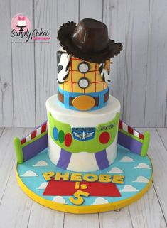 4 inch and 6 inch cake Cumple Toy Story, Festa Toy Story, Toy Story Birthday Cake, Boy Birthday, Birthday Ideas, Toy Story Theme, Toy Story Party, 4th Birthday Parties, Birthday Party Decorations