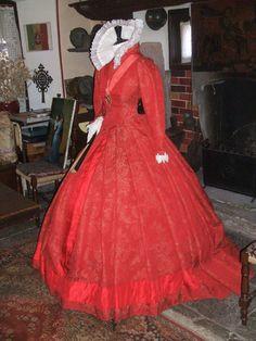 XVIth century red brocade costume di LaborARTorIA su Etsy