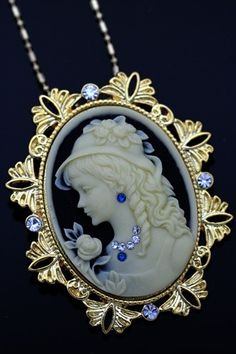 Antique Inspired Lovely Cameo/ -- What a lovely Cameo. Cameo Jewelry, Cameo Necklace, Jewelry Design, Pendant Necklace, Victorian Jewelry, Antique Jewelry, Vintage Jewelry, Lady Like, Do It Yourself Jewelry