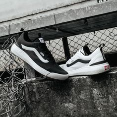 Vans Ultrarange EXO Vans Slip On, Rubber Shoes, Bmx, Skateboard, The Help, Sneakers, Skateboarding, Tennis, Slippers
