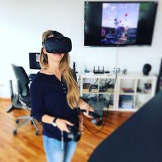 Laura in einer anderen Welt, VR in der Pause. #360 #360grad #virtuellerrundgang #picoftheday #virtualreality #whv #fotografie #panorama #photography #responsive #content #webseite #launchingsoon #atwork #vr #work #inprogress #htcvive #worklife