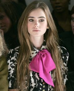 so adorable...just a pop of spring color to already have black and white blouse