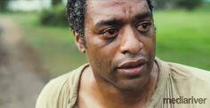 """""""Zniewolony"""" został już nagrodzony Złotym Globem za najlepszy film. W walce po nagrodę pokonał takie filmy jak: """"Kapitan Phillips"""" Paula Greengrassa, """"Wyścig"""" (""""Rush"""") Rona Howarda oraz film """"Grawitacja"""" Alfonso Cuarona."""