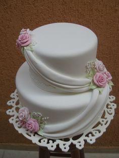 Amazing Wedding Cakes, White Wedding Cakes, Elegant Wedding Cakes, Elegant Cakes, Amazing Cakes, Royal Icing Cakes, Fondant Cakes, Cupcake Cakes, Pretty Cakes