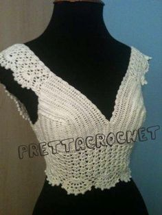 Fabulous Crochet a Little Black Crochet Dress Ideas. Georgeous Crochet a Little Black Crochet Dress Ideas. Gilet Crochet, Crochet Bra, Crochet Halter Tops, Crochet Shirt, Crochet Crop Top, Irish Crochet, Crochet Clothes, Blanket Crochet, Crochet Summer Tops