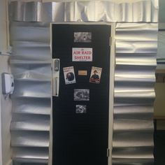 Air Raid Shelter - display for topic Door Displays, School Displays, Ks2 Display, Display Ideas, Environment Topic, Activity Based Learning, 1940s Party, Air Raid, Book Corners