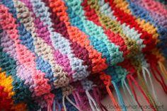 Lazy Waves Blanket Pattern free crochet patterns Photo Love the colors. Thanks so xox ☆ ★   https://uk.pinterest.com/peacefuldoves/