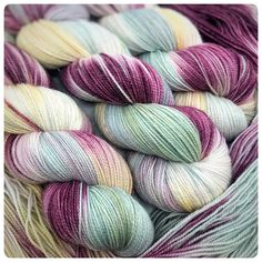 Plum Dandy, Gold Sparkle fingering weight hand dyed yarn – Hypnotic Yarn