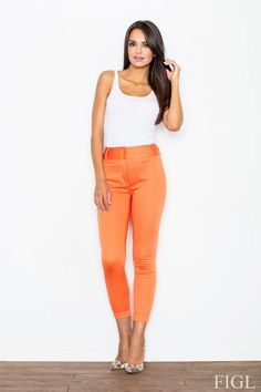 Formal long pants to his ankles in shades of coral