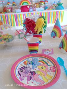anniversaire poney my little pony birthday My Little Pony Birthday Party, Birthday Party Tables, Girl Birthday, Anniversaire My Little Pony, Caleb, First Birthdays, Kids Rugs, Quelques Photos, Little Poney