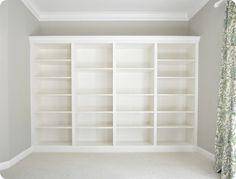 Billy bokhylla med kantlister. För hela kortväggen i vardagsrummet kanske?