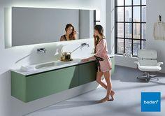 Maatwerk en design vloeien stijlvol ineen in dit prachtige badkamermeubel. Onder andere leverbaar in deze rustgevende kleur groen.