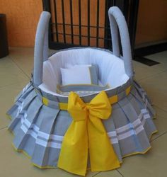 moises Baby Doll Bed, Baby Nest Bed, Bitty Baby Clothes, Kids Bedroom Designs, Baby Shawer, Baby Baskets, Baby Dress Patterns, Baby Sewing Projects, Baby Bedding Sets