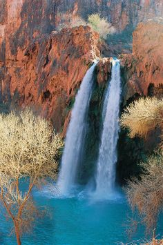 Waterfalls of Havasu Creek, Arizona / USA (by Lee Sanborn)