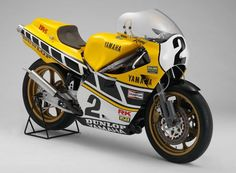 Kenny Roberts' '84 Daytona 200 winning OW69 Yamaha YZR 700 This bike used the square 4 engine of the '82 model OW60 YZR 500 with an increased displacement of 695cc. The engine was debuted in '83 although this '84 model engine featured further improvement with a slide type YPVS, a sub radiator and multiple other features to improve the drive-ability in the mid to low speed range and improve reliability.