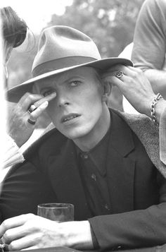 THE MAN WHO FELL TO EARTH behind the scenes