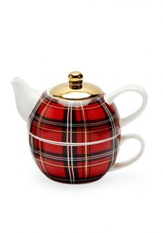 Plaid Porcelain Teapot / Adam Glassman shares his favorite plaid-patterned home and fashion pieces in O, The Oprah Magazine, November Tea Cup Saucer, Tea Cups, Style Anglais, Tea For One, Teapots And Cups, Chocolate Pots, China Patterns, Tartan Plaid, My Favorite Color