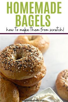 Warm, chewy bagels. Is there anything better than a New York Style bagel, smothered with cream cheese? I can only think of one way that they could be better. Making them at home. These homemade bagels are so easy to do, and will taste so good! #bagels #newyorkstylebagels #homemadebagels #everythingbagels #bagelsrecipe Recipes With Yeast, Easy Baking Recipes, Bread Recipes, Whole Food Recipes, Best Brunch Recipes, Breakfast Recipes, Bagel Toppings, New York Bagel, Homemade Bagels