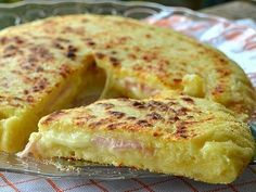 Potato Pizza with Prosciutto and Cheese cooked in Pan. Breakfast Recipes, Snack Recipes, Cooking Recipes, Greek Recipes, Italian Recipes, Frittata, Cooking Time, I Foods, Love Food