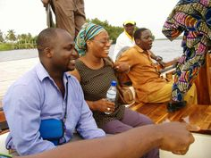 Une première ÉCEC en Afrique : le Complexe Scolaire et Universitaire de la Cité «Vie Nouvelle»  http://www.youtube.com/watch?v=Vop4UlAMpRU&list=PLGN9XKmvNeOXiNqc2zKhBfdpphpU4xTNC
