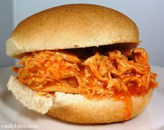 Slow Cooker Buffalo Chicken Recipes is Among the Favorite Chicken Recipes Of Several Persons Around the World. Besides Simple to Make and Good Taste, This Slow Cooker Buffalo Chicken Recipes Also Healthy Indeed. Crock Pot Recipes, Crock Pot Cooking, Ww Recipes, Slow Cooker Recipes, Cooking Recipes, Healthy Recipes, Recipies, Recipe Sites, Tofu Recipes