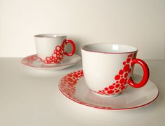 Items similar to hand painted white Cup with Saucer: Red Dots on Etsy Coffee Cup Crafts, Mug Crafts, Vase Crafts, Sharpie Crafts, Pottery Painting, Ceramic Painting, Diy Painting, Painted Mugs, Hand Painted