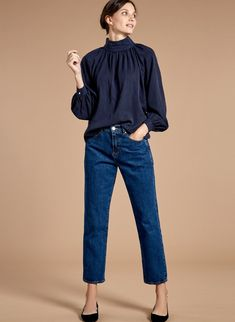 Stylish The Straight Leg Jean in Blue. Discover the latest Baukjen women's clothing collection today for effortless everyday style for the modern woman. Smart Casual Outfit, Stylish Outfits, Casual Chic, Pencil Skirt Work, Blue Denim Jeans, Everyday Fashion, What To Wear, Street Style, Clothes For Women